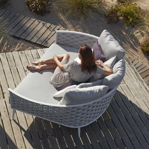 Cascade daybed